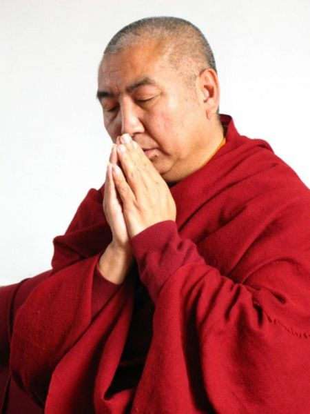 File:Khenpo Namdrol prayer.jpg